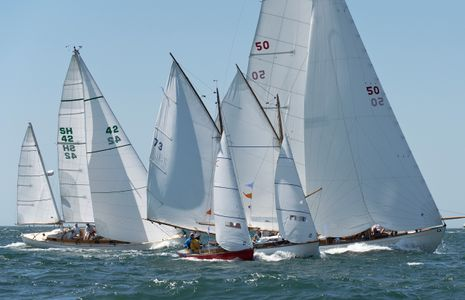 Approaching the First Mark at the Opera House Cup