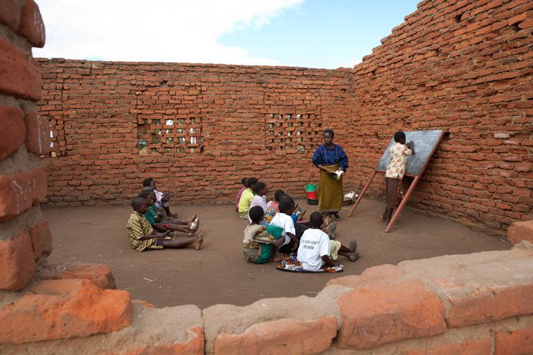 1malawi_school_building.jpg