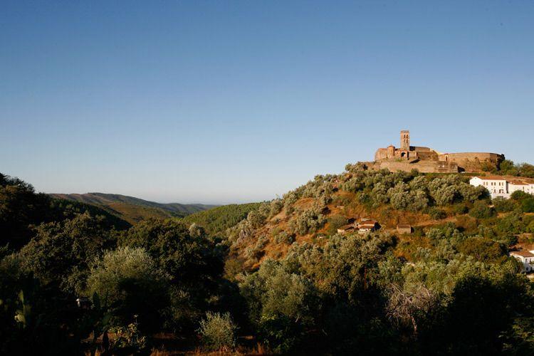 1spain_andalucia_village.jpg