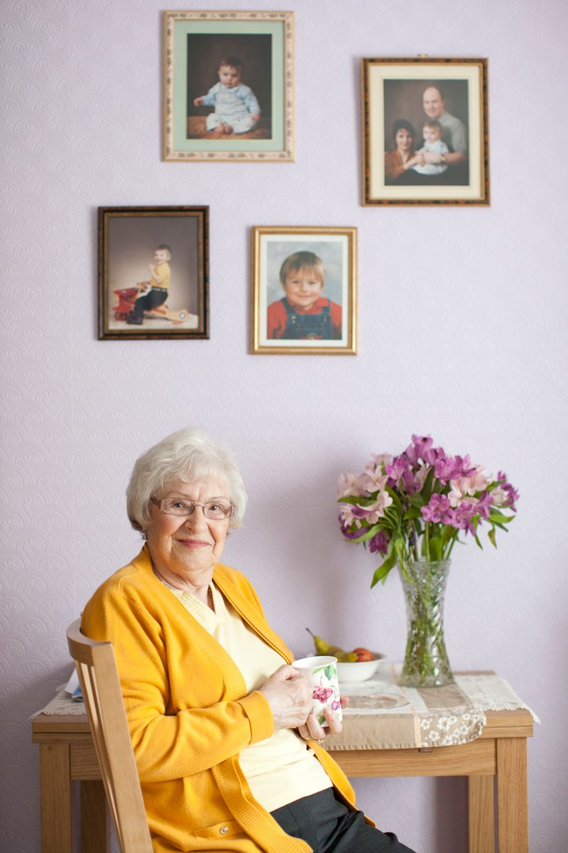 1older_lady_loneliness_ageuk_2.jpg