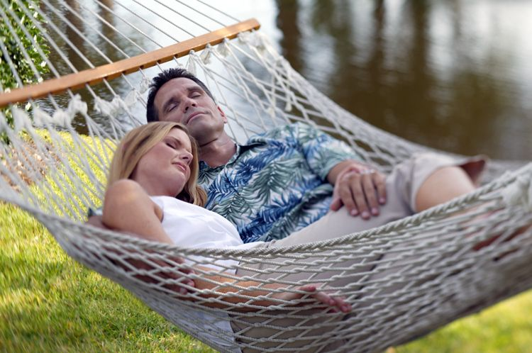 1Models_in_Hammock_2
