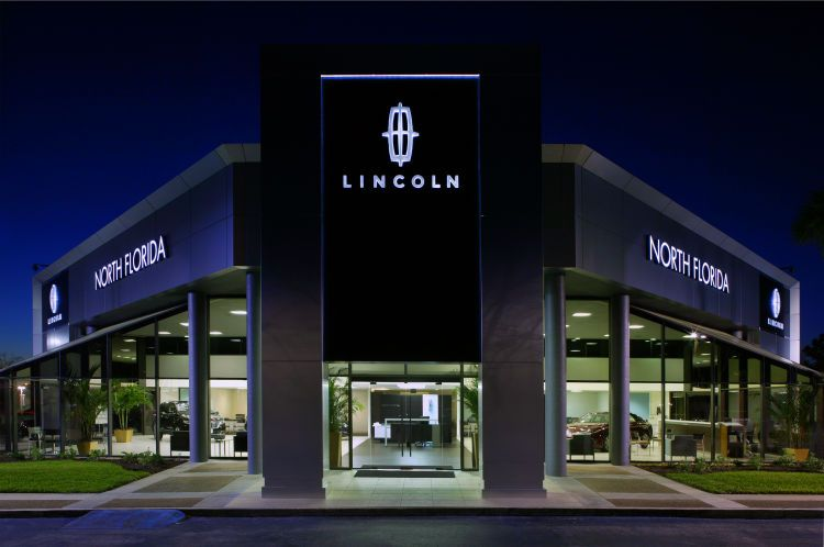 1nf_lincoln_exterior___night