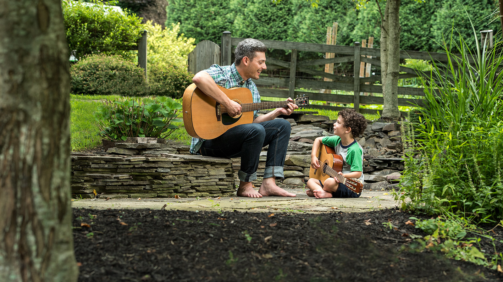 guitar_outside.jpg