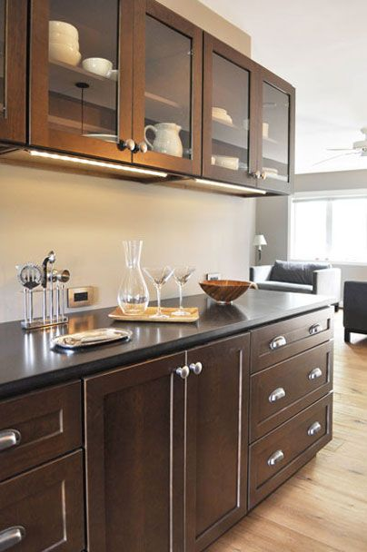 test5condo-kitchen-217ff.jpg