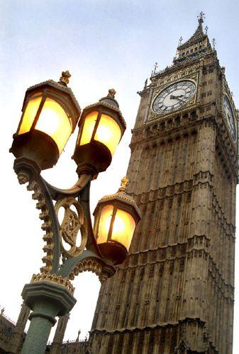 1big_ben_w_lamps.jpg