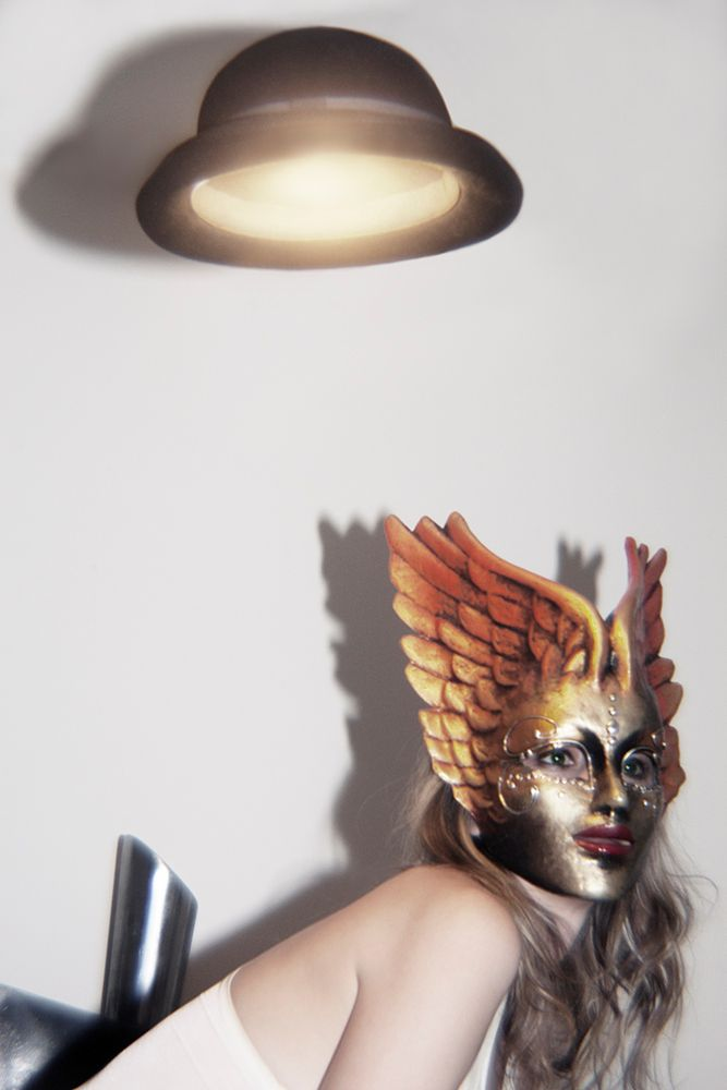 1r2013_10_28_andrea_winged_mask_404__