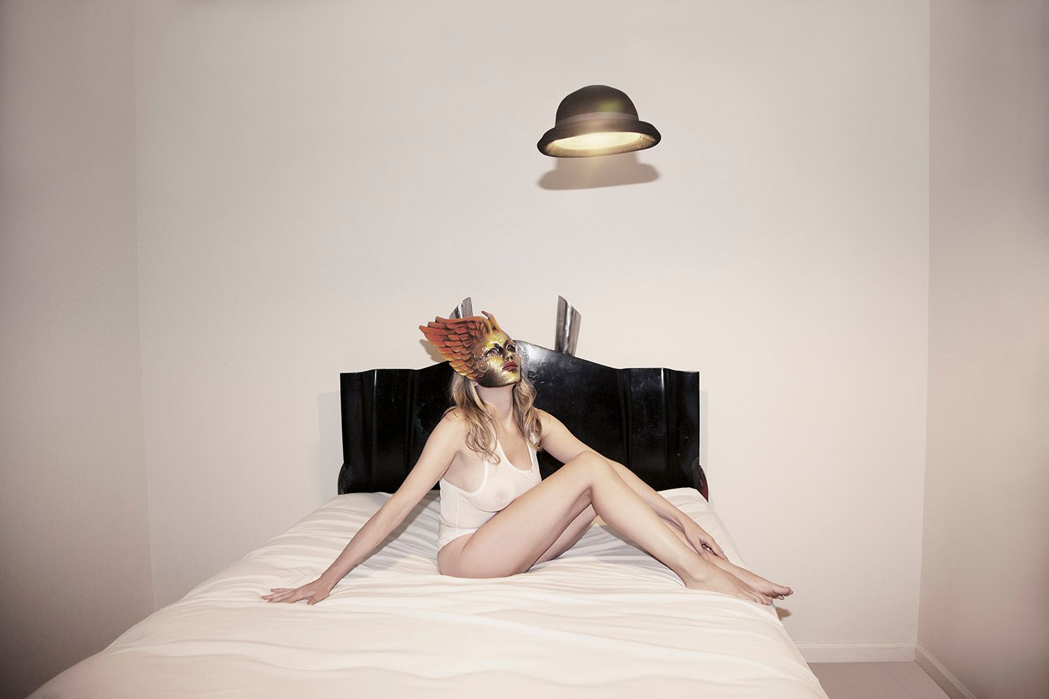 1r2013_10_28_andrea_winged_mask_508_2_