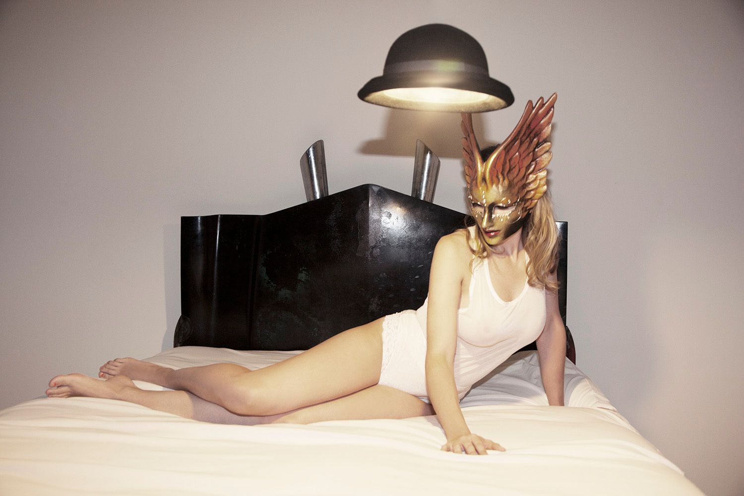 1r2013_10_28_andrea_winged_mask_300_2_