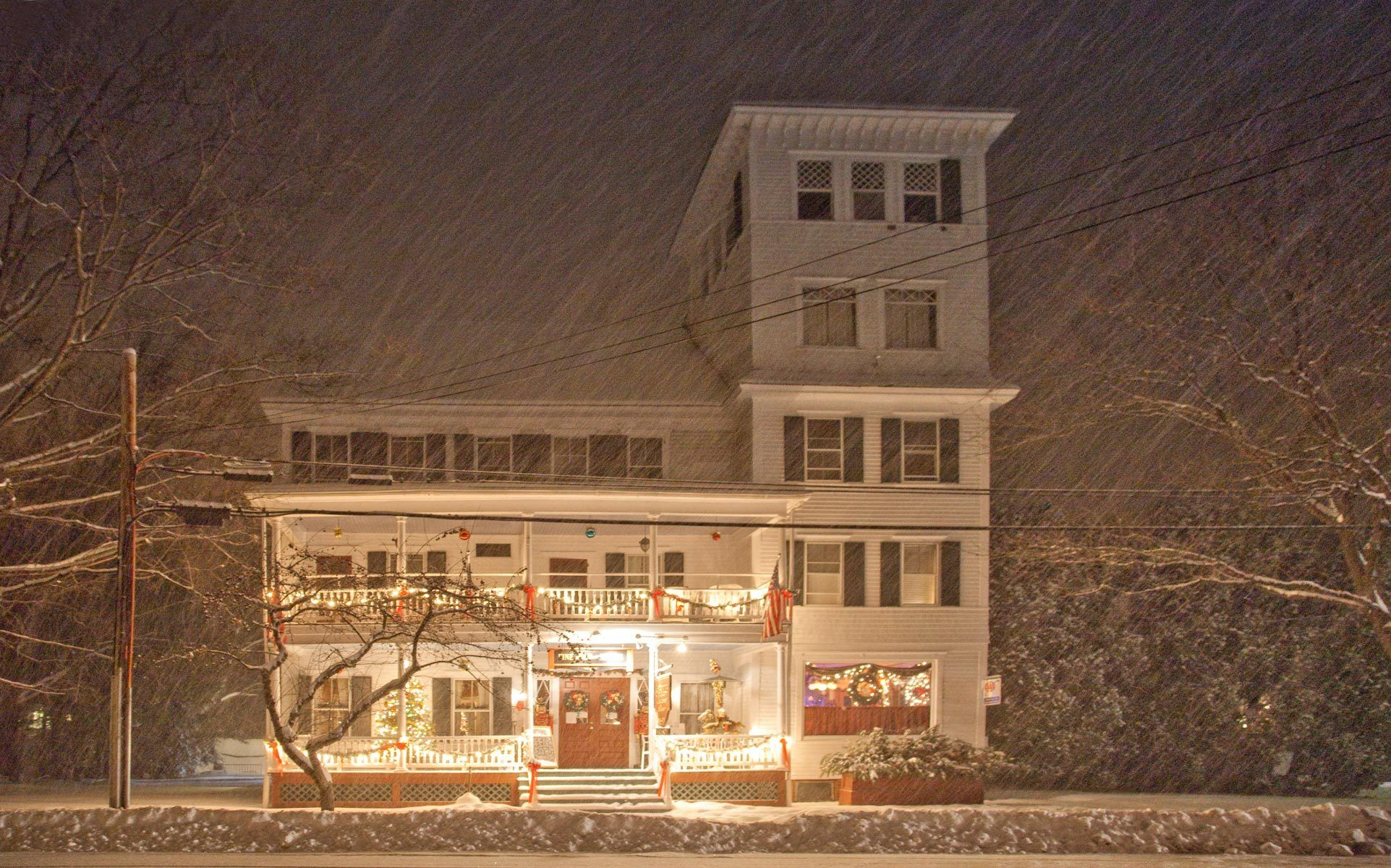 Saxtons River Inn during a Winter Storm