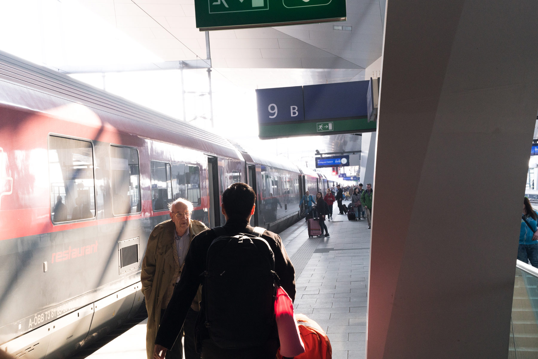 Budapest-train-station.jpg
