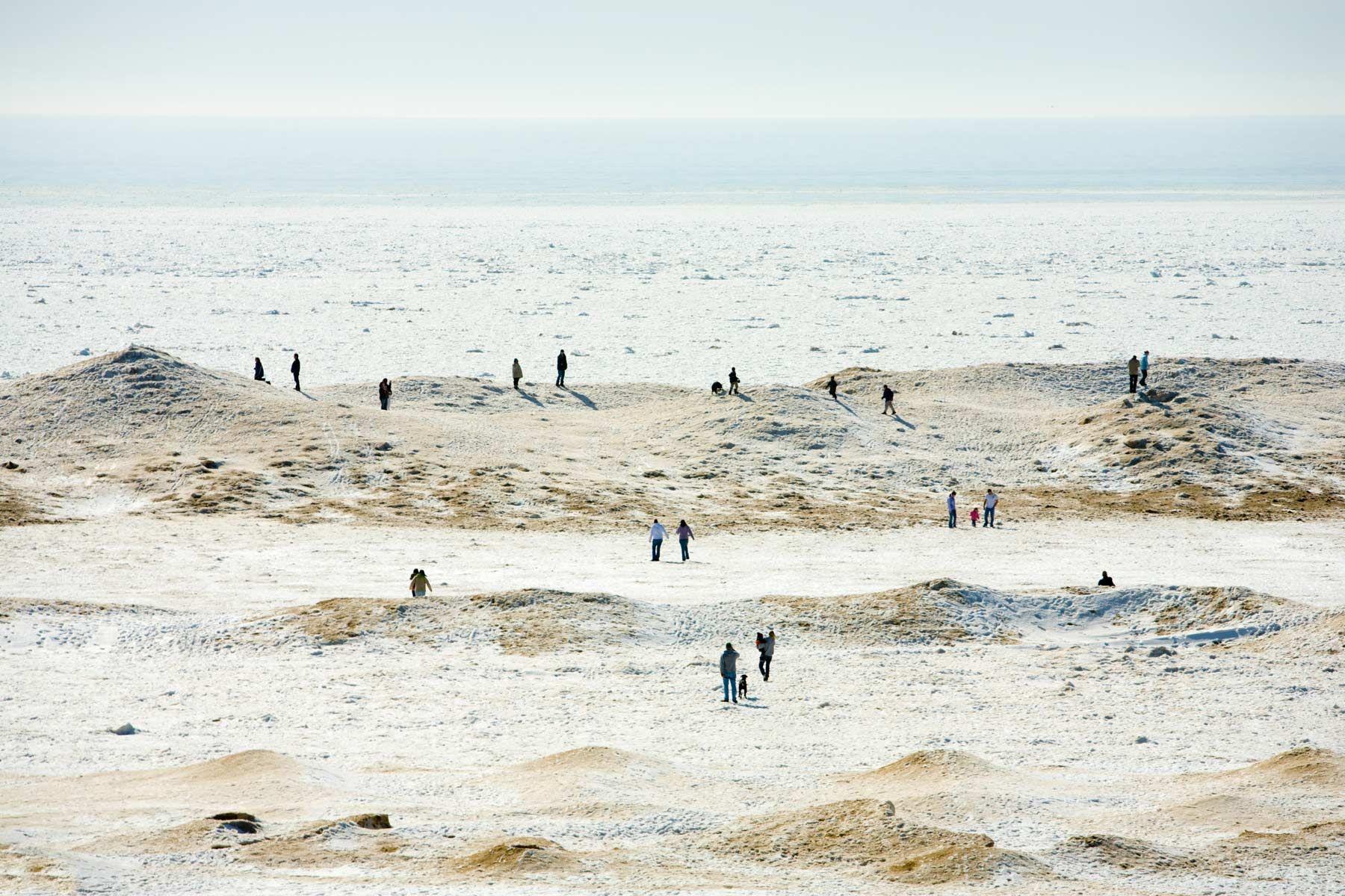 People-walking-on-Lake-Michigan-ice.jpg