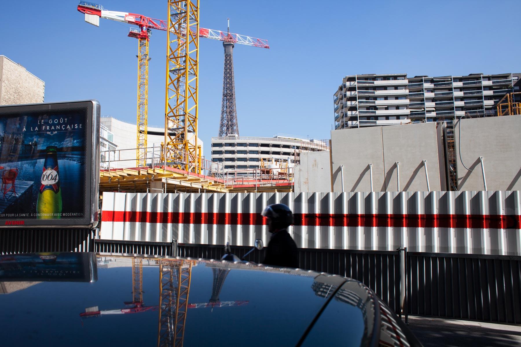 Paris-motorcyclist-construction-scene.jpg