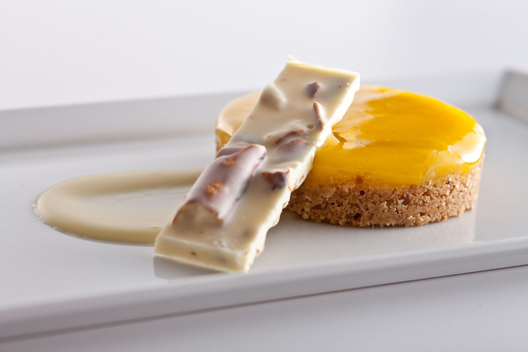 White-Fudge-and-nut-bar-with-lemon-cake-Jessica-Weiss-Union-League-of-Chicago.jpg