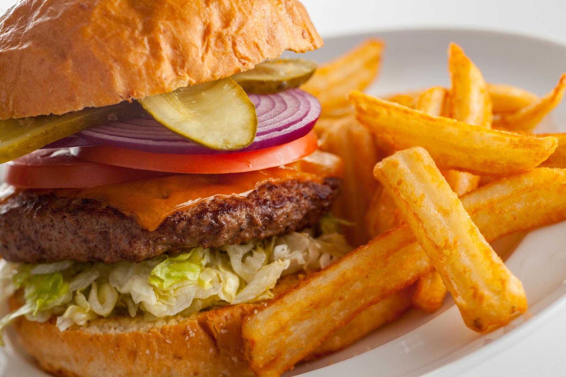 Deluxe-Hamburger-and-french-fries-Gun-Lake-Casino_077.jpg