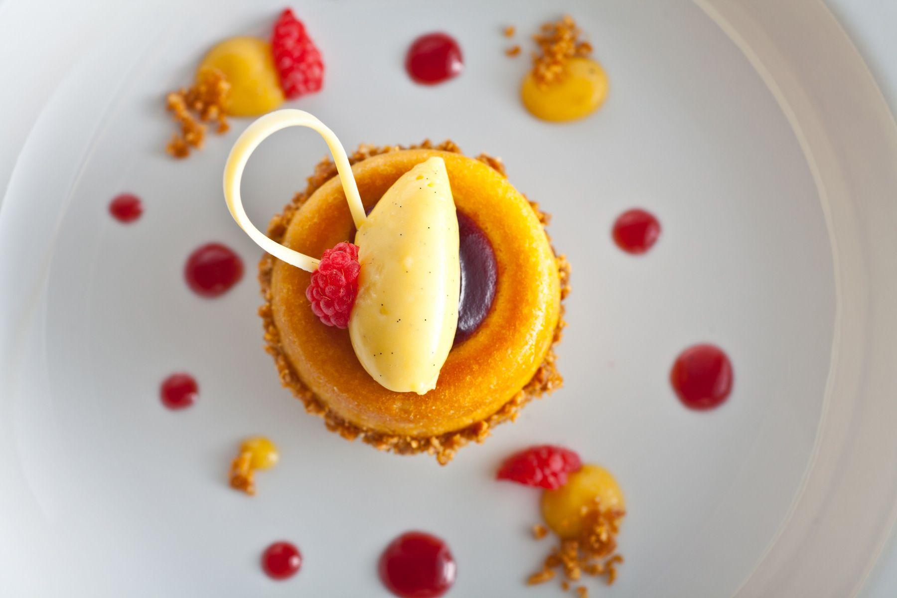 Raspberry-Tart-Dessert-Jessica-Weiss-Union-League-of-Chicago.jpg