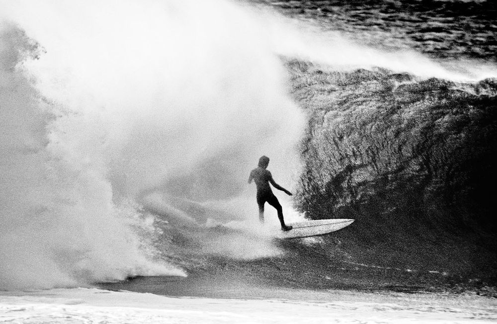 GERRY LOPEZ, PIPELINE, OAHU, HI. 1971. EXPRESSION SESSION.