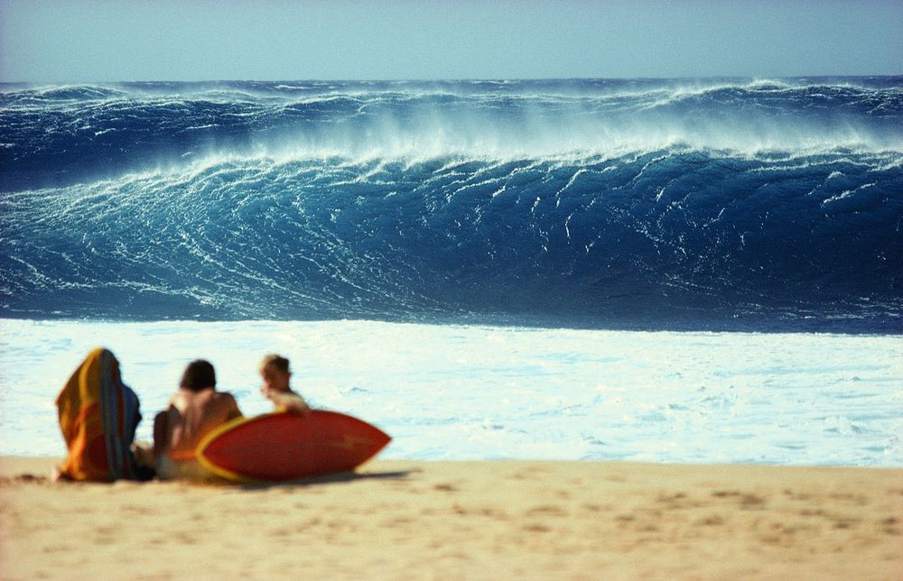 BACKDOOR PIPELINE, OAHU, HI. 1980.