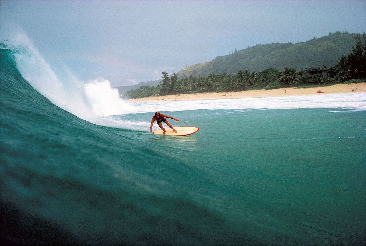 BILL LACY, BACKDOOR, PIPELINE. OAHU, HI. 1974.