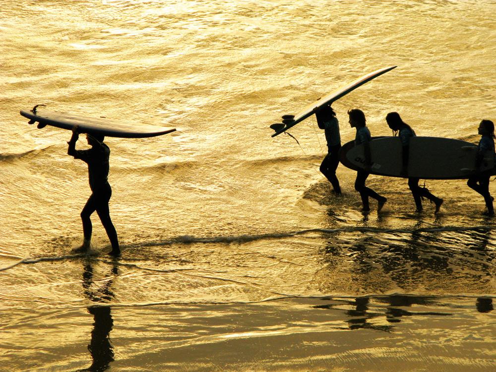 SURF LESSONS, COTE DE BASQUE , BIARRITZ , FRANCE