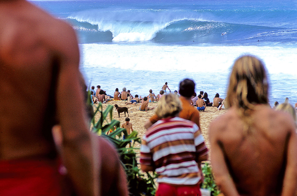 PIPELINE , OAHU, HI. 1971. EXPRESSION SESSION.