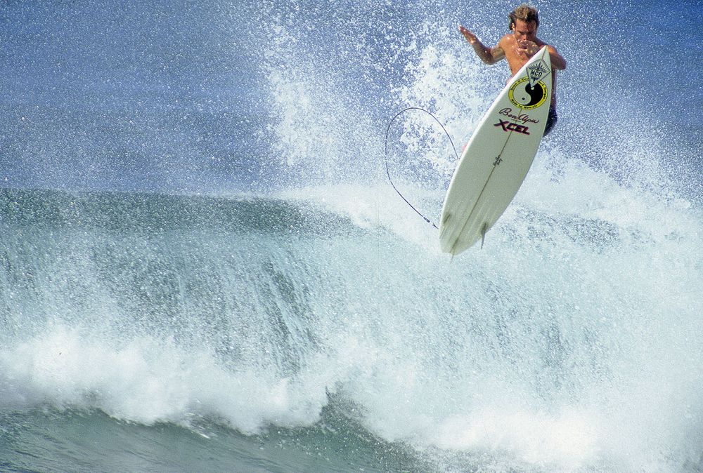 MATT ARCHIBOLD, OFF THE WALL , NORTH SHORE OAHU, HI. 1988