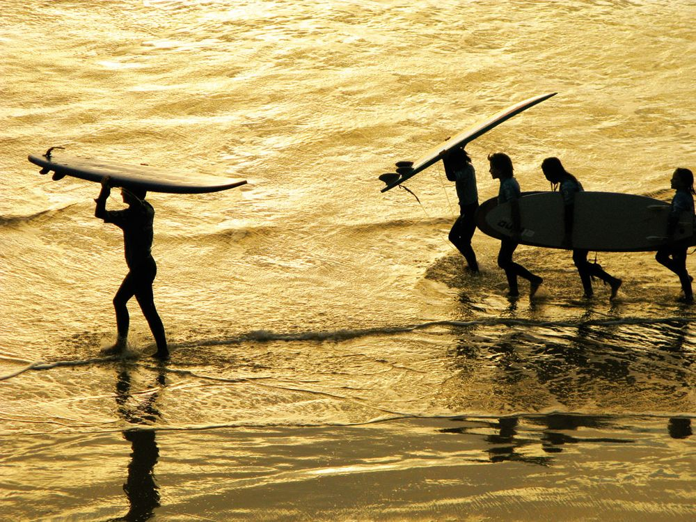 SURF LESSONS, COTE DE BASQUE , BIARRITZ , FRANCE