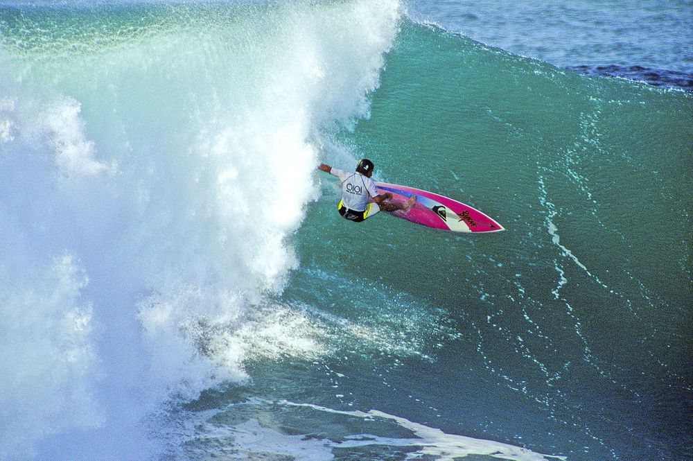 TOM CARROLL, PIPE MASTERS CONTEST , OAHU, HI. 1991