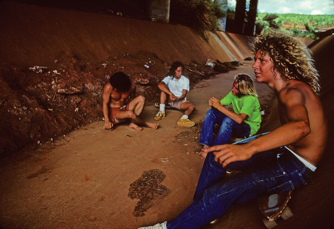 UNIDENTIFIED, ROY JAMESON, , JAY ADAMS, TONY ALVA, WALLOS, HONOLULU, HI. 1975.
