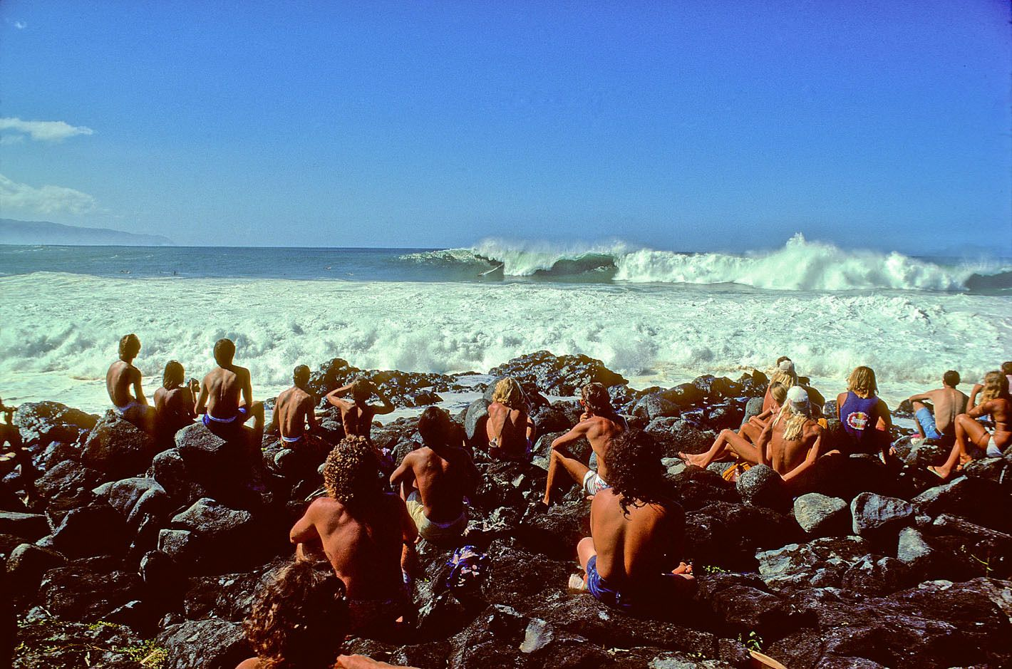 WAIMEA BAY, OAHU, HI. 1974. SMIRNOFF PRO CONTEST. THANKSGIVING DAY.