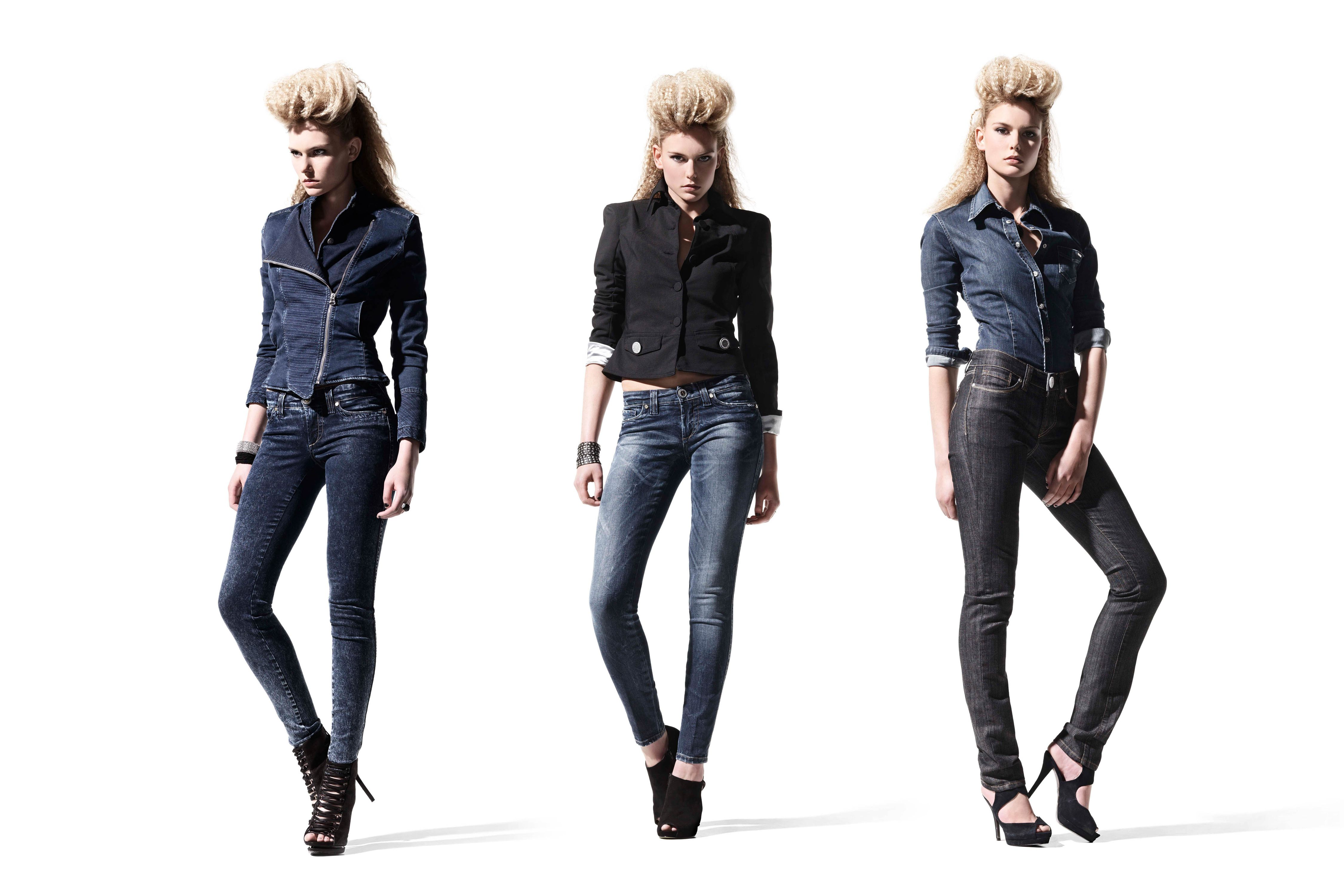 SOS Jeans 3x model