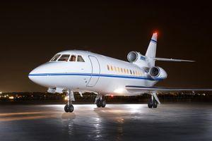 Dassault Falcon Jet 900