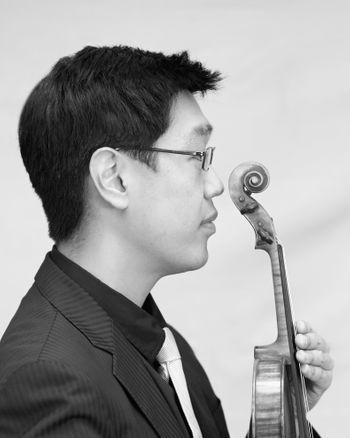 FINAL-Soovin-w-violin.jpg