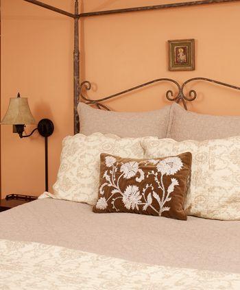 Homeport-Inn_-Master-Bedroom_No.5_50.jpg