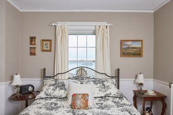 Homeport-Inn_guest-room_No.3_922016.jpg