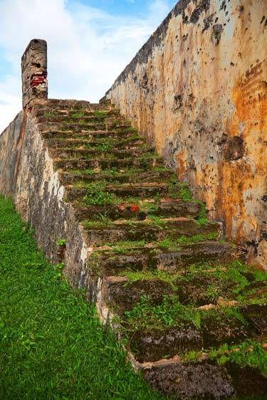 GRASSY STAIRSCASTILLO SAN CRISTOBAL, OLD SAN JUAN, PUERTO RICOIMAGE # 11865