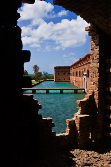 WINDOW, FORT JEFFERSONDRY TORTUGAS NATIONAL PARK, FLORIDAIMAGE # 11673