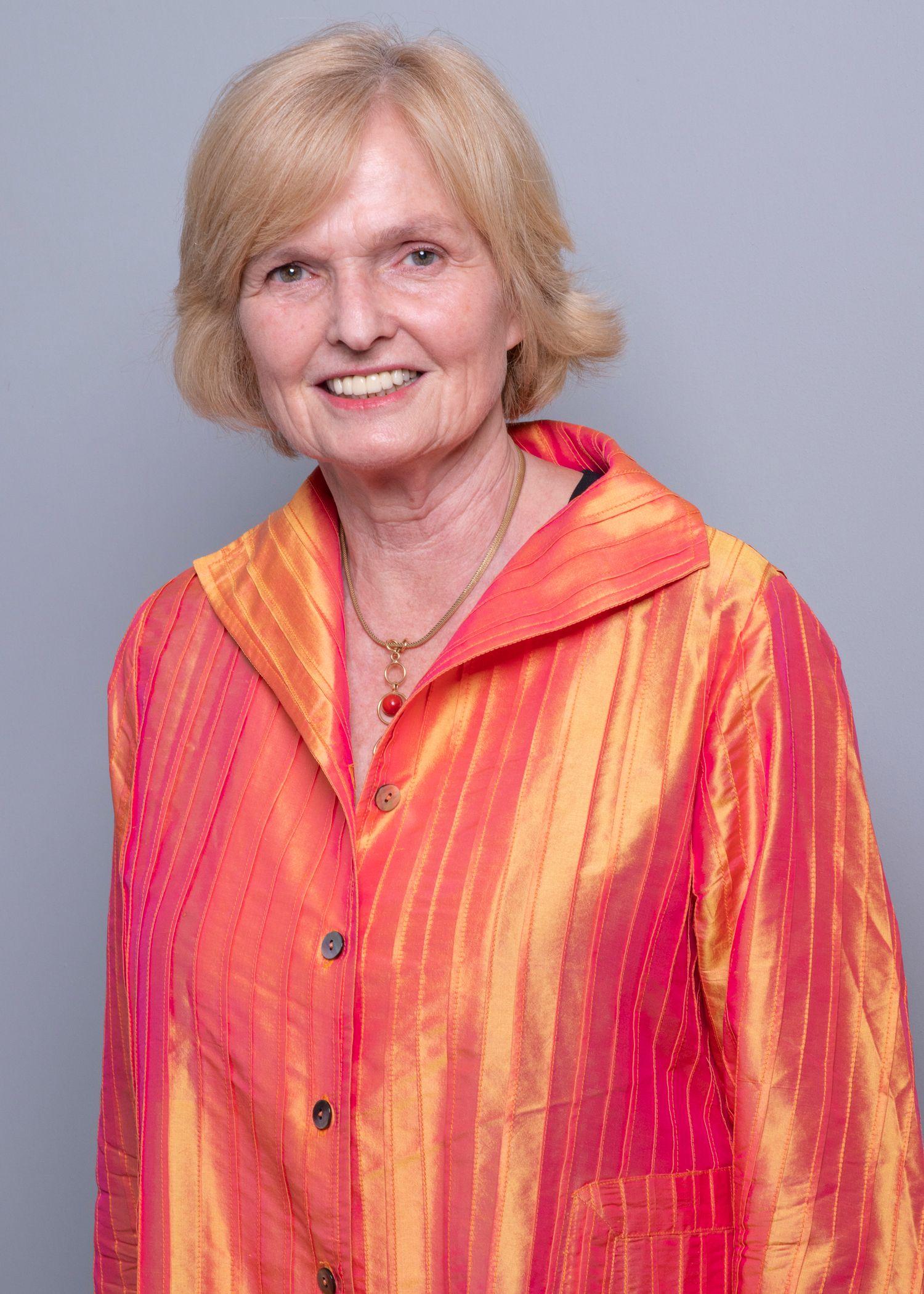 Ann MacMilan
