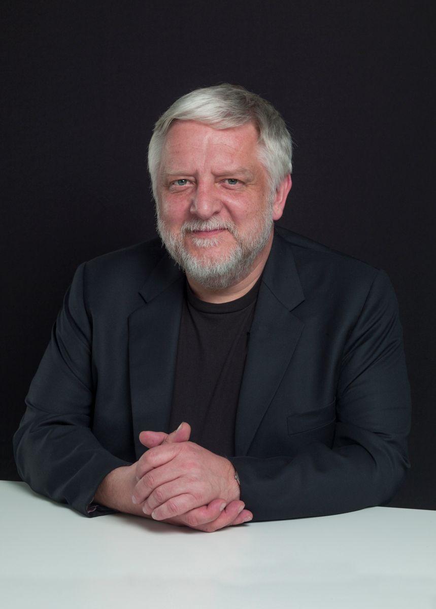 Simon Russel Beale