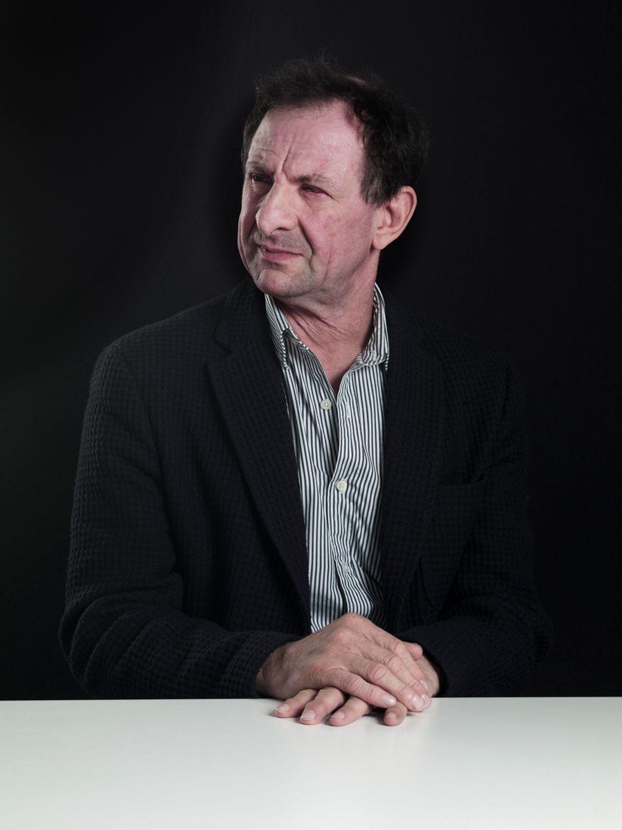 Dr Tim Benson