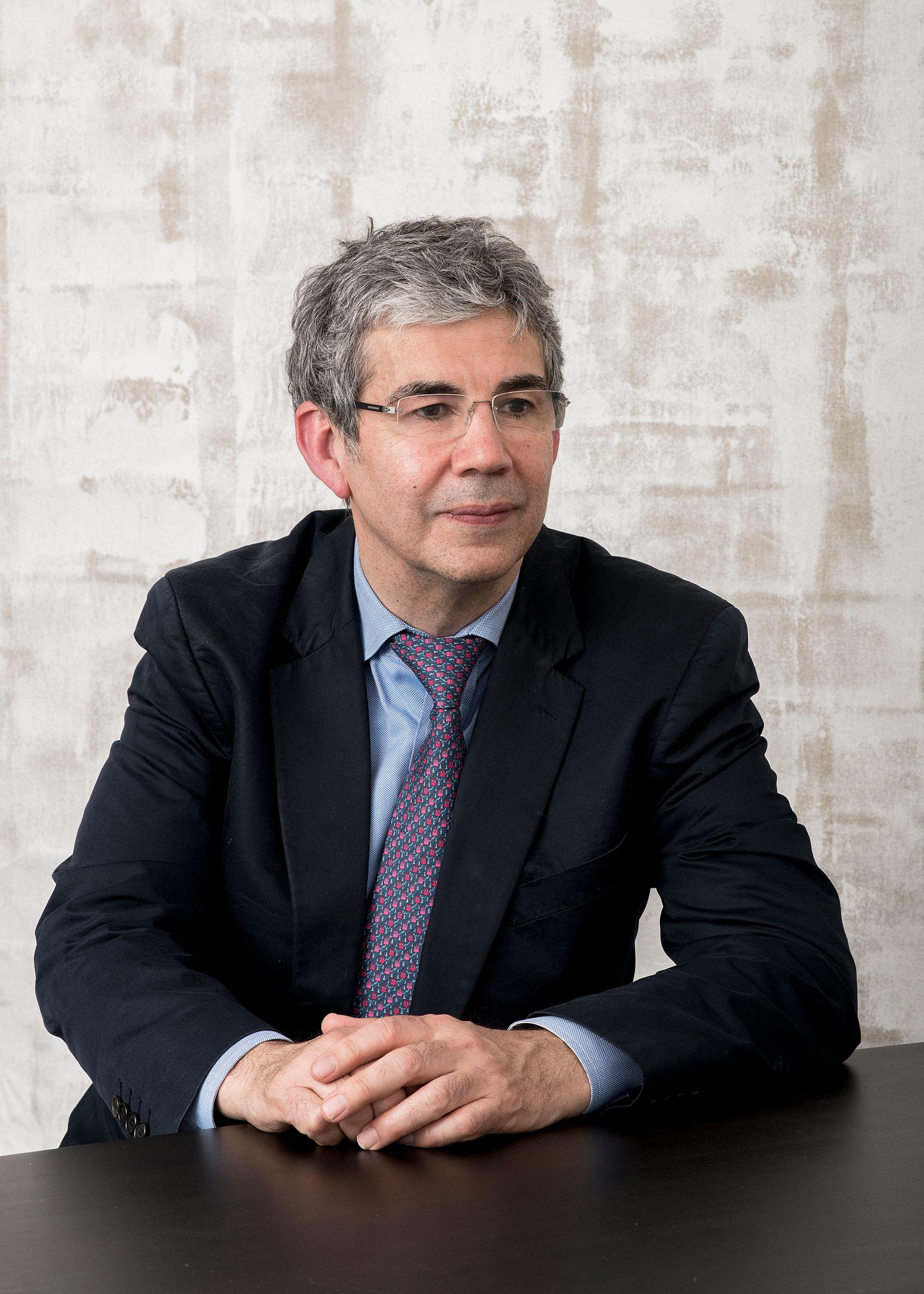 Dr David Nott