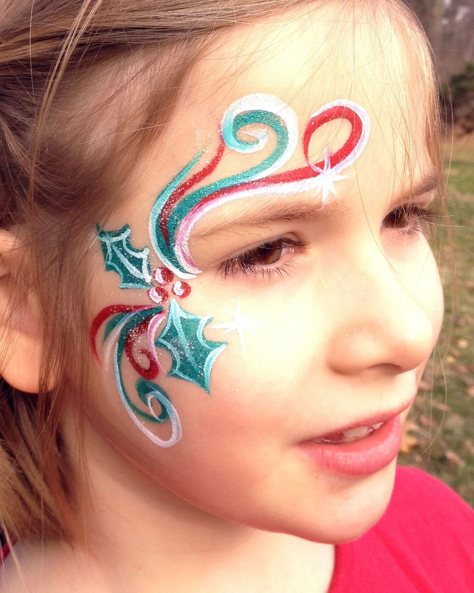 1chicago_face_painter_valery_lanotte___christmas_holly_swirls