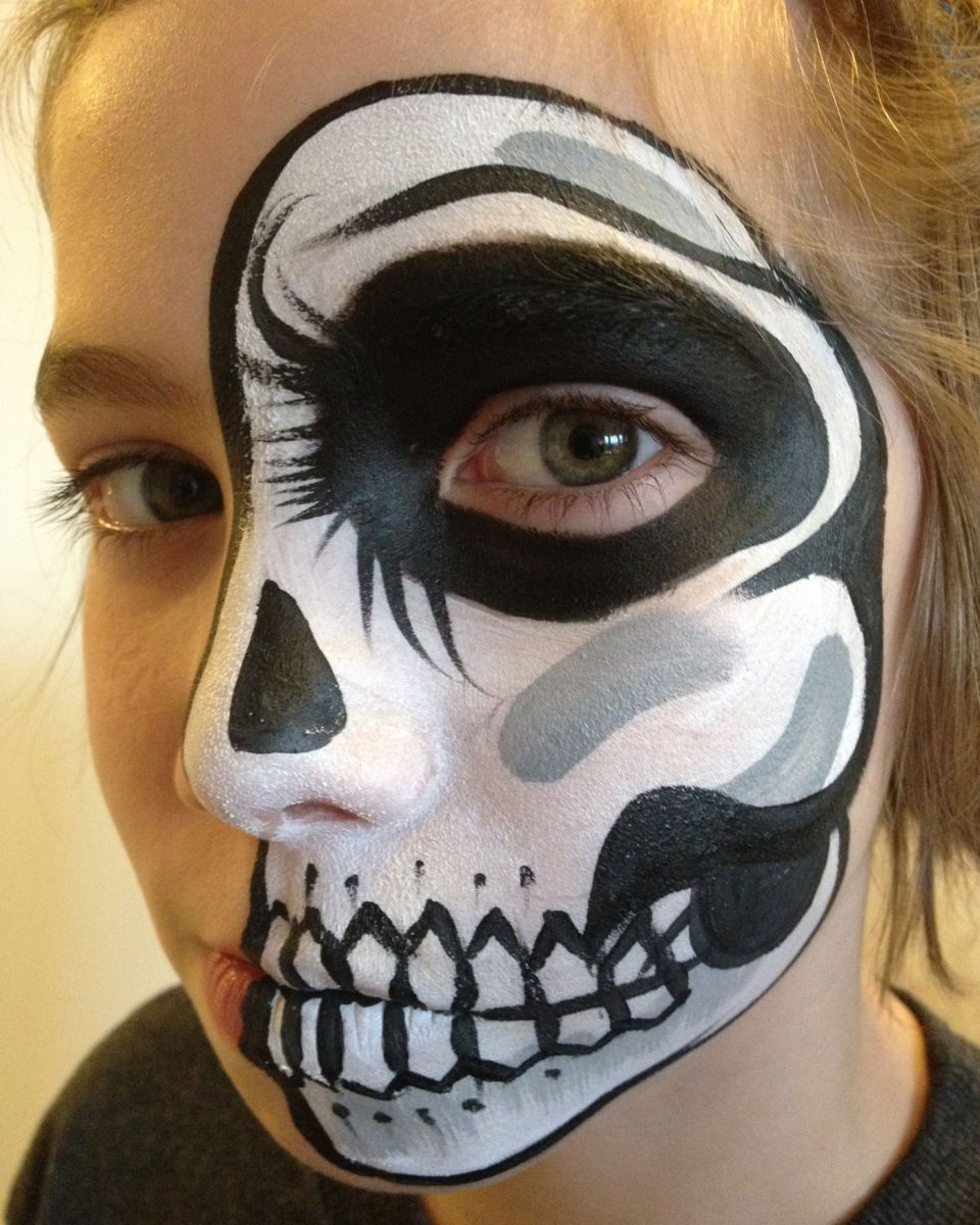 Chicago-Face Painter-Valery-Lanotte-Skull