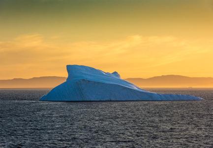D-16-08-18-6899-(Iceberg-Disko-Bay).jpg