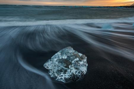 Iceland-02-D-15-09-12-5914-(Ice-Beach-2015).jpg
