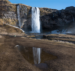 Iceland-29-D-18-03-16_8503819_20-(Gullfoss-Bridge).jpg