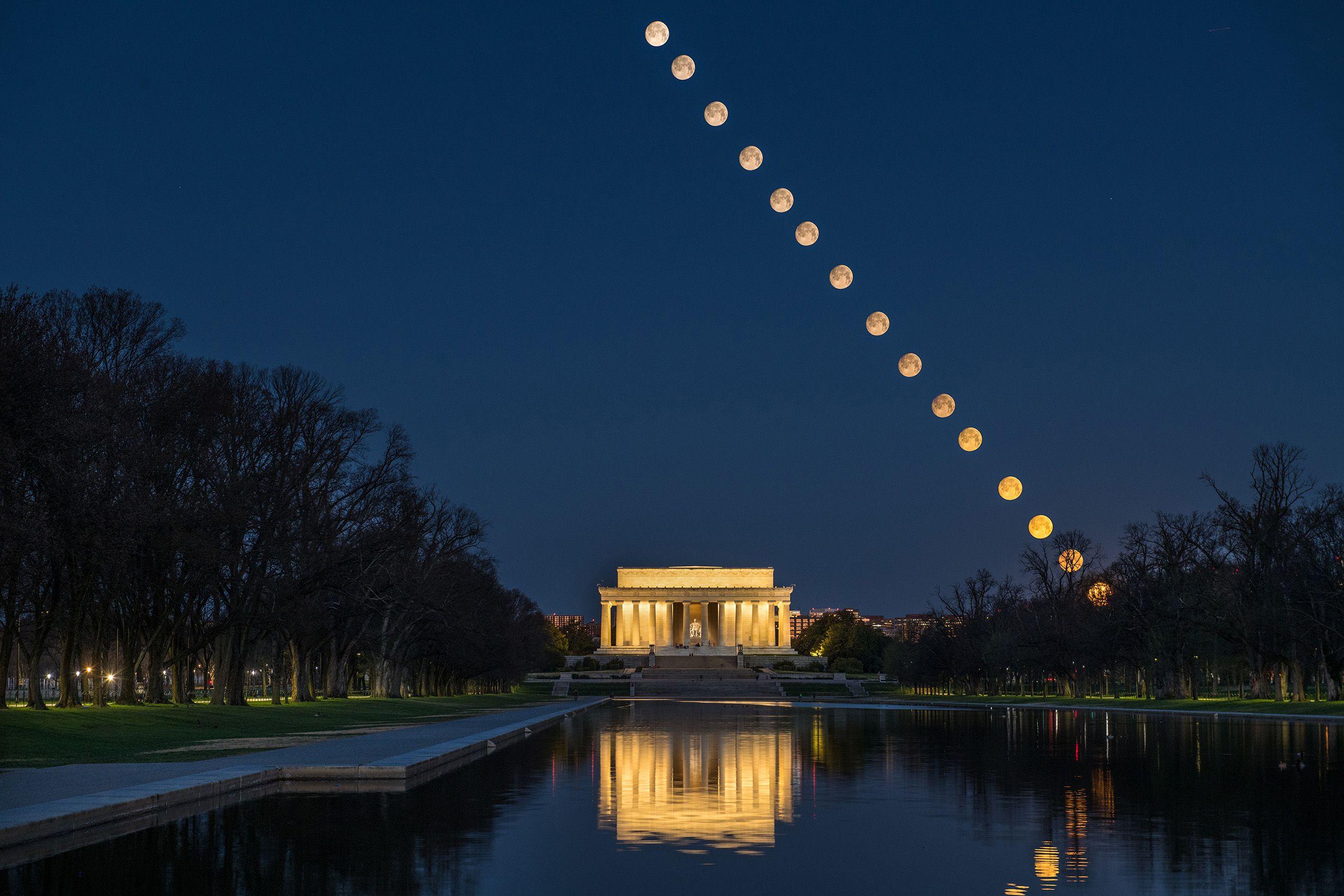 Seeting Moon, Lincoln Memorial.jpg