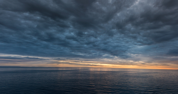 D-16-08-26-9956_58-(Arctic-Sunrise).jpg
