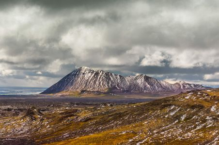 Iceland-15-D-17-06-07-4178_80-Pano-Crop-(Mountain).jpg