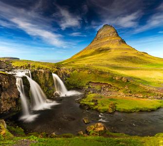 Iceland-11-D-17-06-05-2975_76-Pano-(Kirkjufellfoss).jpg