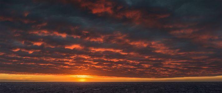 D-16-08-23-7888_90-(Arctic-Sunset).jpg